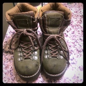 Hunter Green Candies hiking boots. HEAVY DUTY!